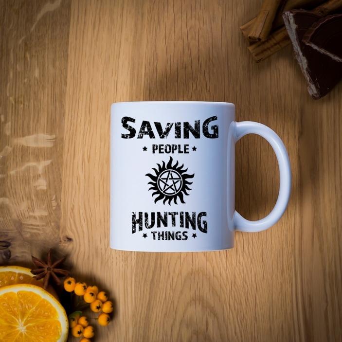 Saving people hunting things - kubek personalizowany