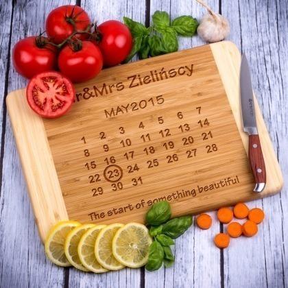 Bambusowa deska do krojenia Mr&Mrs - kalendarz