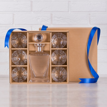 Pudełko na zestaw karafka oraz sześć szklanek