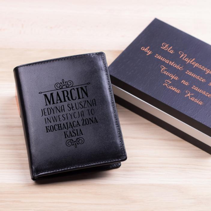 Słuszna inwestycja - grawerowany portfel skórzany