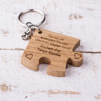 Drewniany brelok puzzle brakujący kawałek